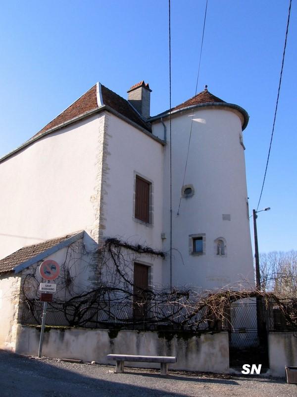 Mirebeau et ses alentours for Maison avec une tour